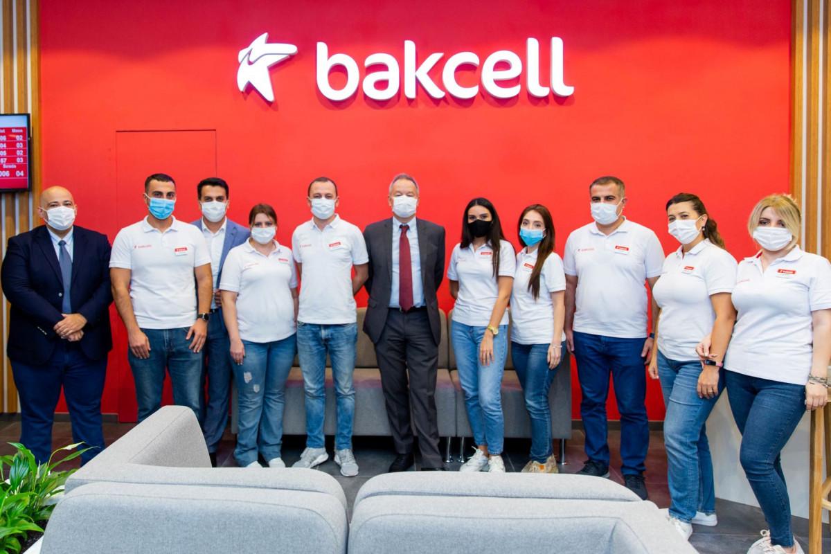 Компания Bakcell представила обновленный концептуальный магазин в центре Баку-ФОТО -ВИДЕО